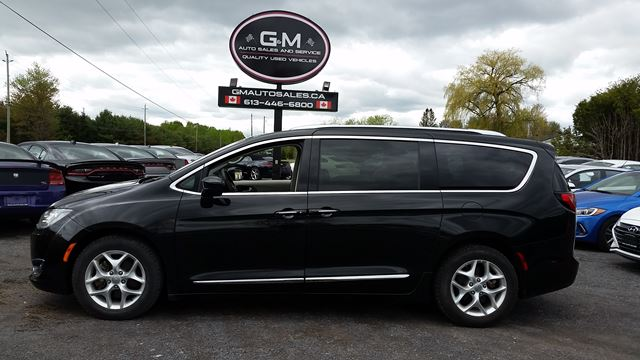 2018 CHRYSLER PACIFICA Touring-L Plus in Rockland, Ontario