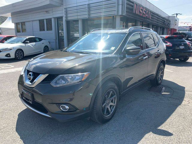 2015 NISSAN Rogue SV moonroof 4dr AWD Sport Utility in Kamloops, British Columbia
