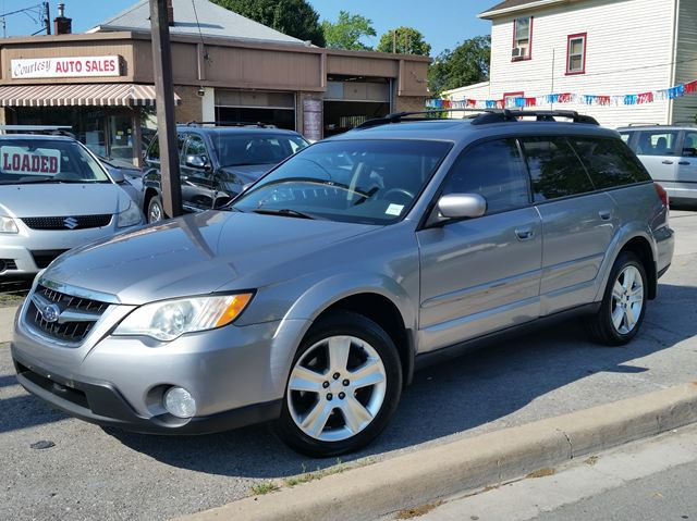 2008 SUBARU Outback 2.5i w/Limited Pkg in St Catharines, Ontario