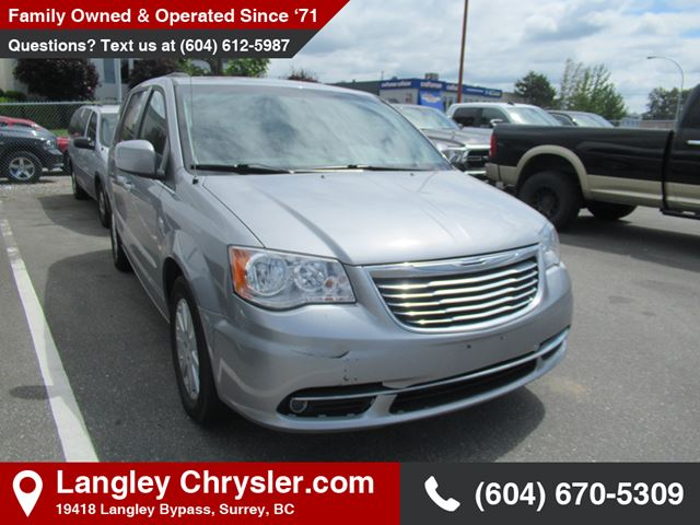 2014 Chrysler Town and Country Touring *TOURING L* in