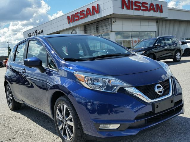 2017 Nissan Versa NOTE SL w/NAV,heated seats,rear cam,sxm radio in
