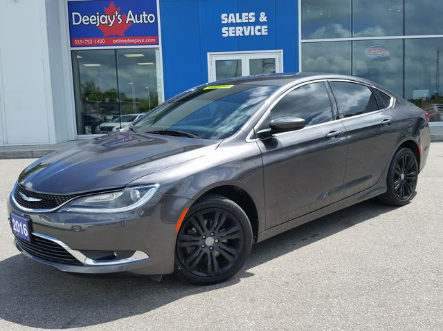 2016 Chrysler 200 Limited in