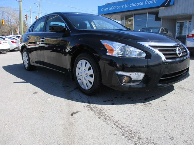 2013 NISSAN Altima 2.5 S BLUETOOTH, FOG LIGHTS, A/C!!! in Richmond, Ontario