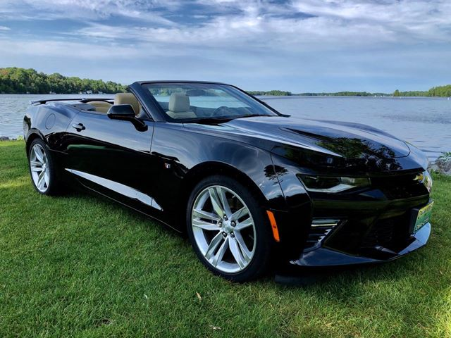 2018 Chevrolet Camaro SS With ONLY 3550 km 6 Speed Manual in