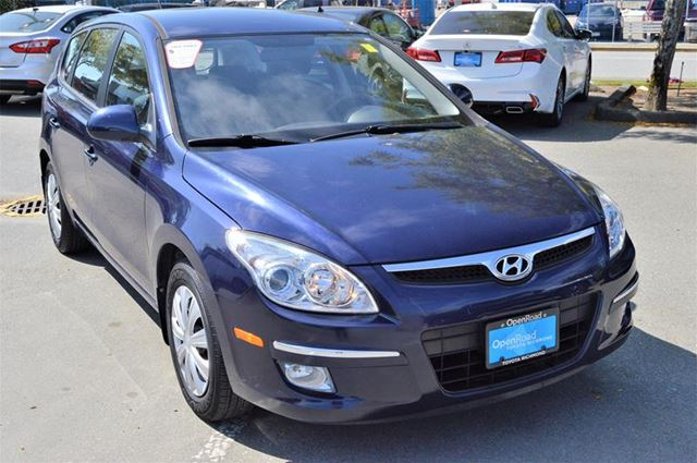 2010 HYUNDAI ELANTRA GL at in Richmond, British Columbia
