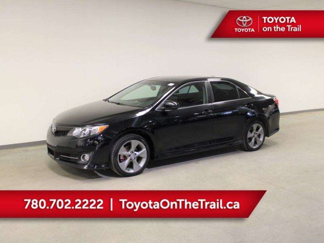 2014 TOYOTA Camry SE; LEATHER, NAV, BACKUP CAMERA, BLUETOOTH, POWER OPTIONS in Edmonton, Alberta