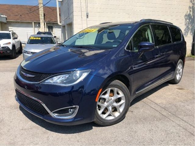 2018 CHRYSLER PACIFICA Touring L Plus  Sunroof  DVD  Loaded in St Catharines, Ontario