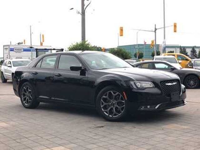 2018 CHRYSLER 300 S**LEATHER**NAV**PANO ROOF in Mississauga, Ontario