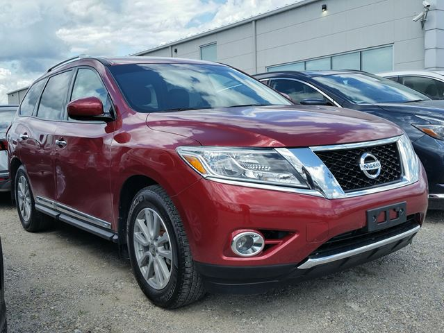 2016 NISSAN Pathfinder SL 4WD w/all leather,NAV,3rd row seating,climate control,rear cam,front-rear heated seats in Cambridge, Ontario