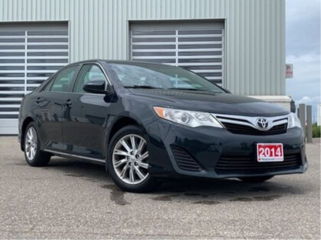 2014 TOYOTA CAMRY LE!! JUST TRADED IN !! in Mississauga, Ontario