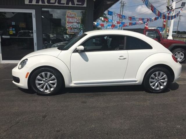 2012 Volkswagen New Beetle  SHARP LITTLE BUG !! WE FINANCE !! in