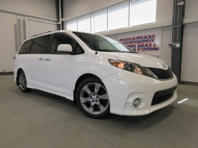 2014 Toyota Sienna SE, ROOF, BT, CAMERA, 112K! in