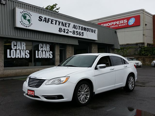 2012 CHRYSLER 200 Limited w/ Leather & Sunroof in Ottawa, Ontario