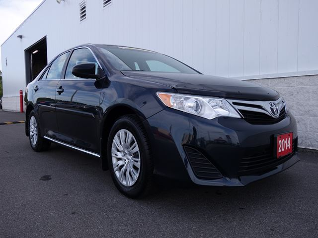 2014 TOYOTA CAMRY LE in North Bay, Ontario