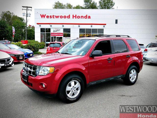 2010 FORD ESCAPE XLT 4WD in Port Moody, British Columbia