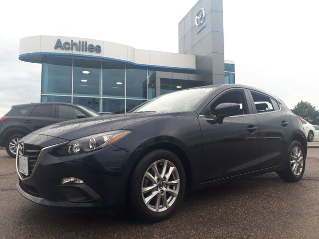 2016 MAZDA MAZDA3 Sport GS, 6 Spd, Alloys, Backup Camera in Milton, Ontario