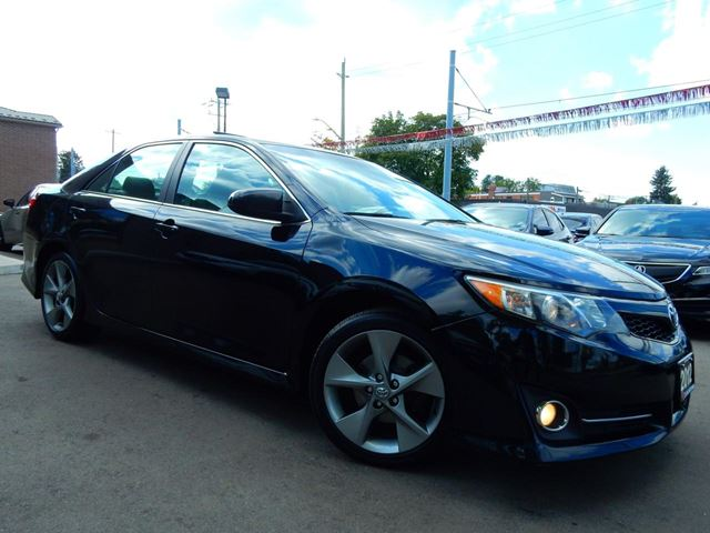 2012 TOYOTA CAMRY SE V6.Navigation.Camera.Leather,Roof.Heated Sea in Kitchener, Ontario