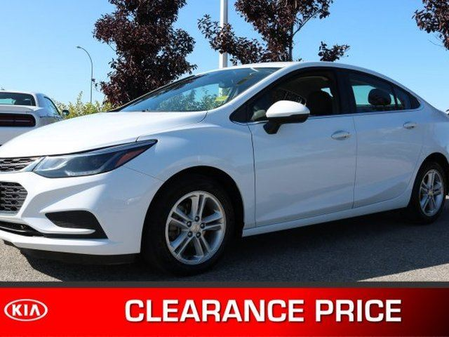 2017 CHEVROLET Cruze LT Accident Free, Heated Seats, Back-up Cam, Bluetooth, A/C, - Used Chevrolet Dealer in Sherwood Park, Alberta