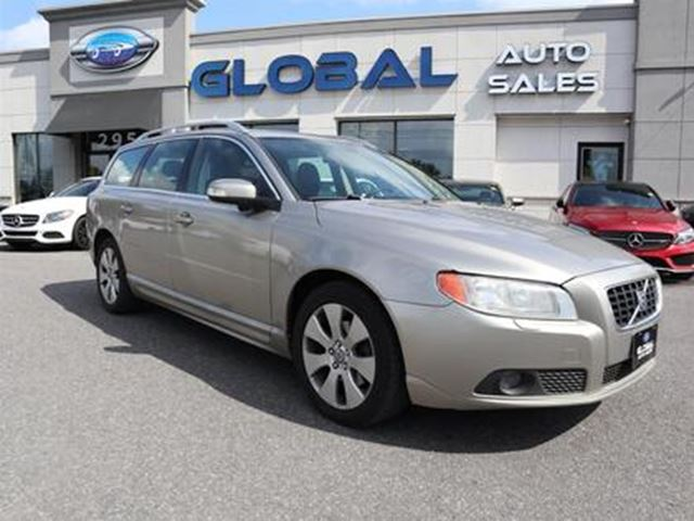 2009 VOLVO V70 3.2  LEATHER SUNROOF. in Ottawa, Ontario