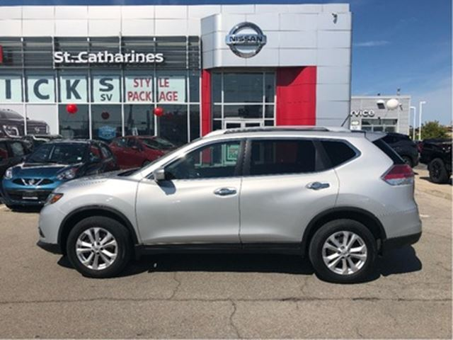 2015 NISSAN Rogue 7 Passenger in St Catharines, Ontario