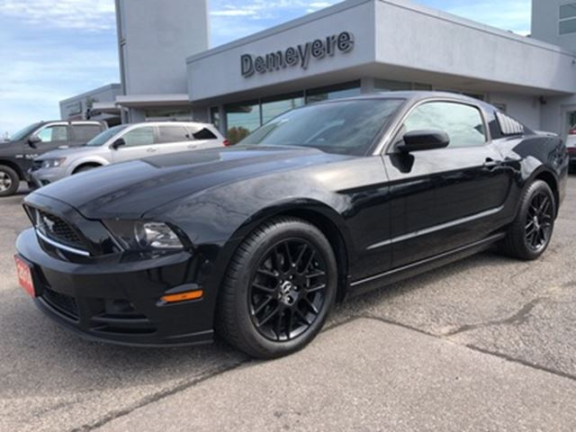 2014 Ford Mustang V6 ONE OWNER in