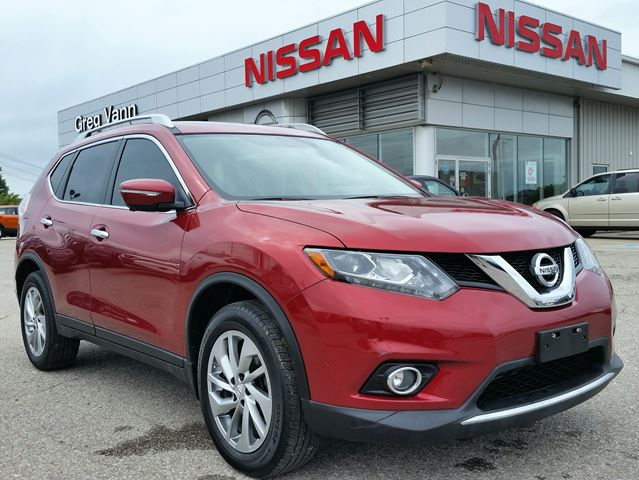 2015 NISSAN ROGUE SL AWD w/all leather,NAV,panoramic roof,heated seats,rear cam in Cambridge, Ontario