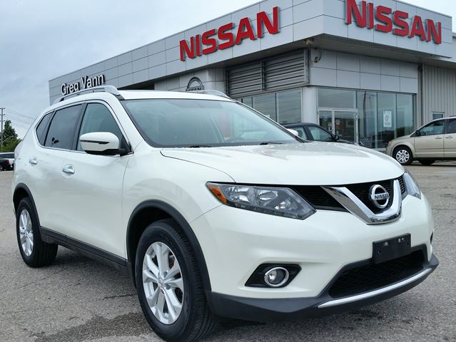 2016 NISSAN ROGUE SV AWD w/NAV,panoramic roof,heated seats,rear cam, in Cambridge, Ontario