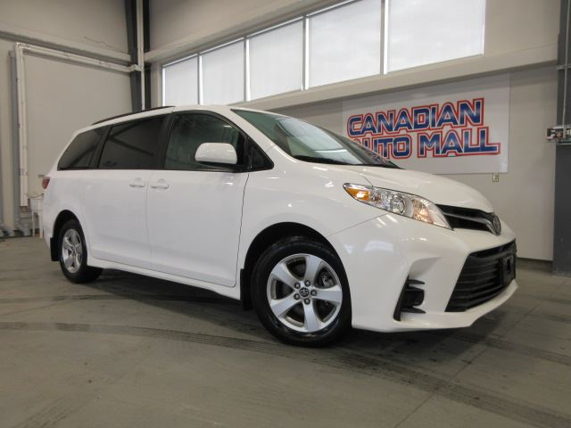 2018 Toyota Sienna LE 8 PASS. HTD. SEATS, BT, CAMERA, 48K! in