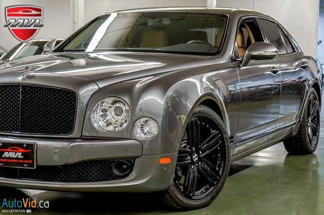 2011 BENTLEY MULSANNE LAUNCH PKG  BLACK TRIM  NO ACCIDENTS in Oakville, Ontario