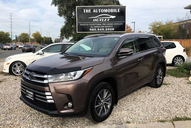 2017 TOYOTA Highlander XLE AWD LOW KMS ONE OWNER 8 PASS NO ACCIDENT in Mississauga, Ontario