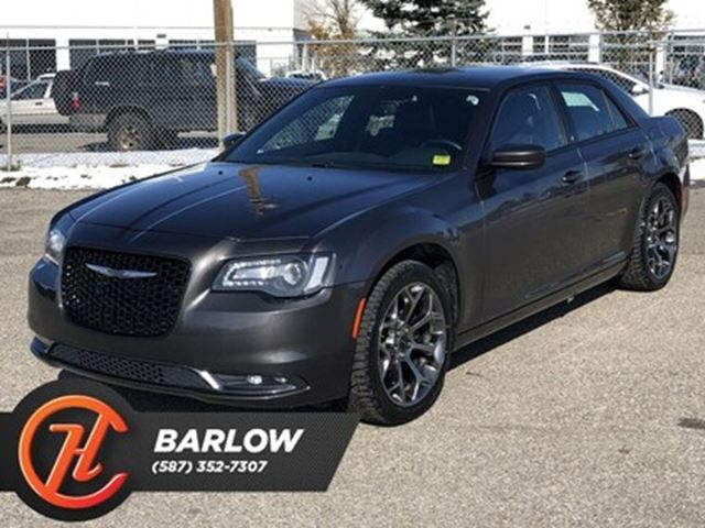2017 CHRYSLER 300 S / Leather / Heated seats / Back up cam in Calgary, Alberta
