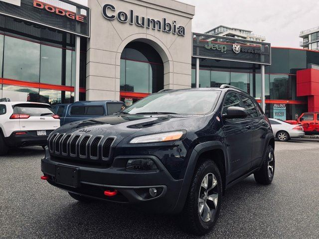 2016 JEEP CHEROKEE Trailhawk - Nav/Leather/Pano Sunroof/No Dealer Fees in Richmond, British Columbia