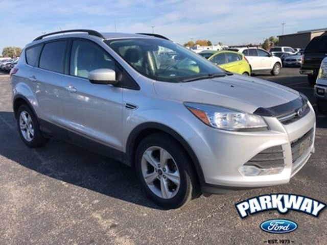 2015 FORD Escape SE FWD  LEATHER  GPS  SUNROOF  HEATED SEATS in Waterloo, Ontario