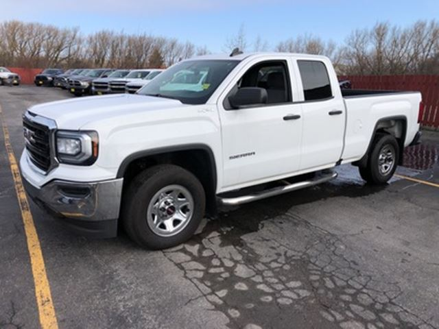 2016 GMC Sierra 1500 Quad Cab, Automatic 4*4, 79,000km in
