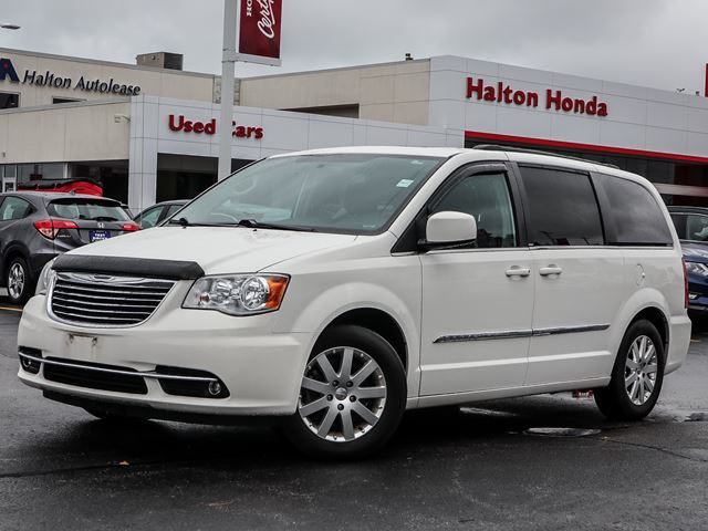 2013 Chrysler Town and Country TOURNO ACCIDENTS in