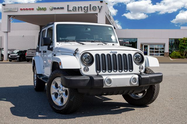 2014 JEEP WRANGLER Unlimited Sahara  NAVIGATION, ONE OWNER, BLUETOOTH, TINTED WINDOWS, SOFT TOP! in Surrey, British Columbia