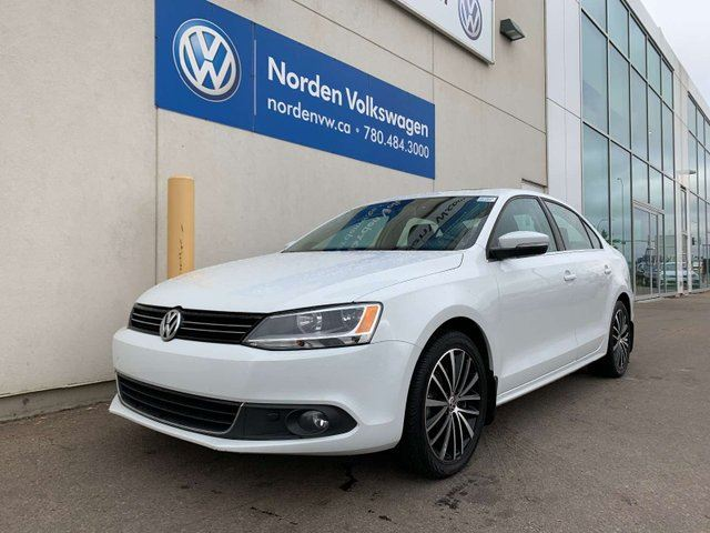 2014 Volkswagen Jetta  1.8 TSI HIGHLINE W/ TECH PKG - LEATHER / NAVI / SUNROOF in