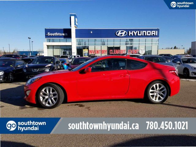 2013 HYUNDAI Genesis PREM 2.0T/NAVI/BLUETOOTH/HEATED SEATS in Edmonton, Alberta