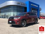 2017 Toyota Highlander AWD SE LEATHER ROOF NAV 3RD ROW SEATS ONE OWNER in Orillia, Ontario