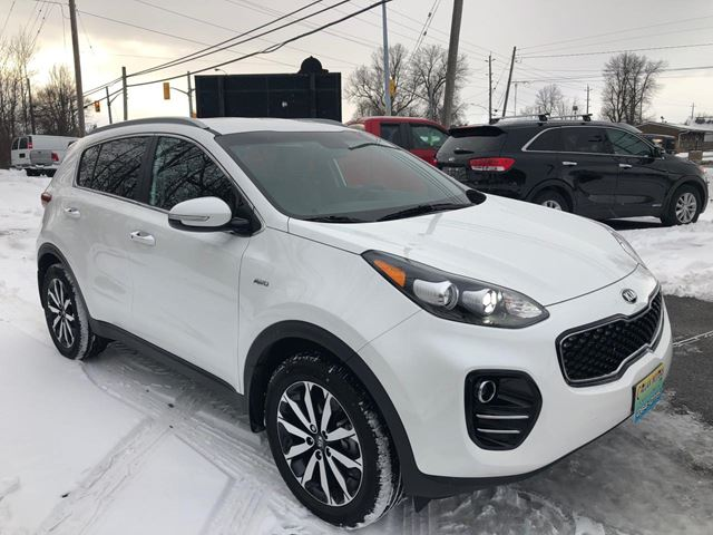 2019 Kia Sportage EX  With Only 14600 km in