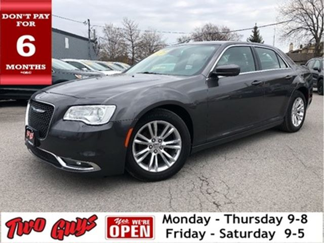 2015 CHRYSLER 300 Leather Navigation Panorama Roof Bluetooth in St Catharines, Ontario
