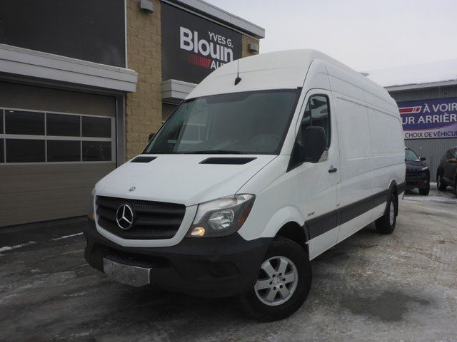 2015 MERCEDES-BENZ Sprinter EXTRA HIGH-ROOF Moteur 2.1L Turbo Diesel in Sainte-Marie, Quebec
