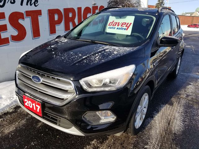 2017 Ford Escape SE Great on Gas! 4X4, Navigation! in
