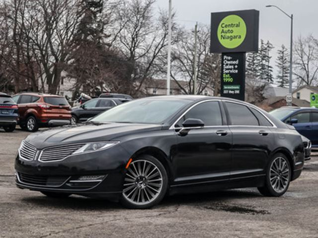 2016 LINCOLN MKZ PANO-ROOF   NAVIGATION   COOLED   HEATED SEATS in Fonthill, Ontario