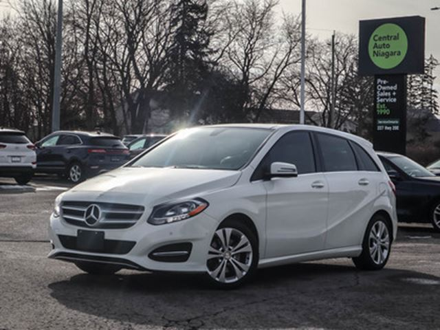 2015 MERCEDES-BENZ B-CLASS 4MATIC-AWD NAVIGATION PANO-ROOF HEATED LEATHER in Fonthill, Ontario