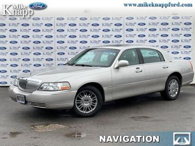 2007 LINCOLN Town Car Signature in Welland, Ontario