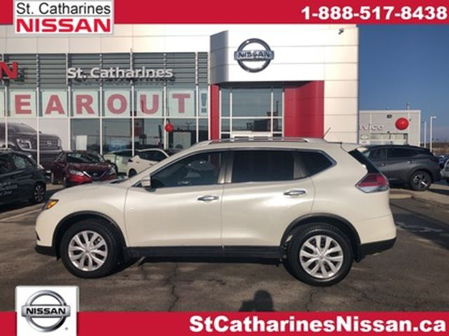 2015 NISSAN ROGUE Off Lease !!! in St Catharines, Ontario