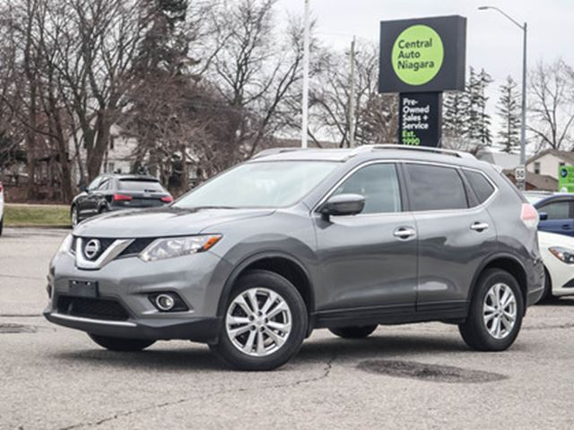 2016 NISSAN ROGUE SV AWD NAVIGATION PANO-MOONROOF HEATED SEATS in Fonthill, Ontario