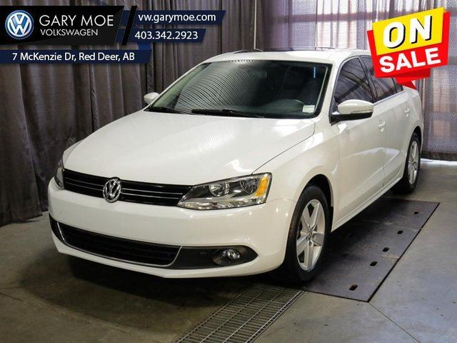 2014 VOLKSWAGEN Jetta  COMFORTLINE - Low Mileage in Red Deer, Alberta
