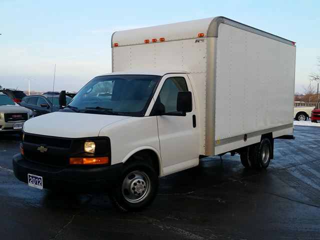 2012 CHEVROLET Express 3500 14' CUBE--C/W BOX HEATER in Belleville, Ontario